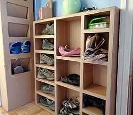 Meuble à chaussure en carton
